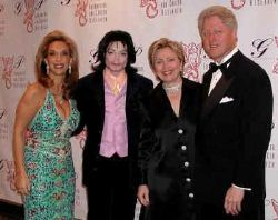Michael junto a Hilary y Bill Clinton